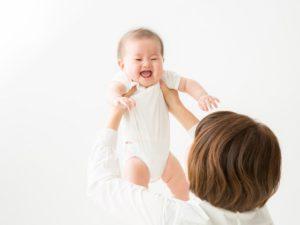 ベビーヨガの赤ちゃんとママの写真