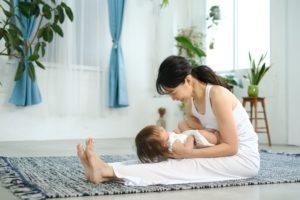 ママと赤ちゃんのヨガ